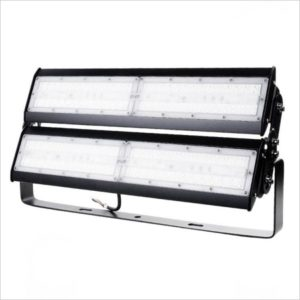 Projecteur-led-200W-grande-hauteur-chantier