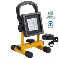 Projecteur-chantier-rechargeable-transportable-10w-led-batterie-lithium-2200-mAh